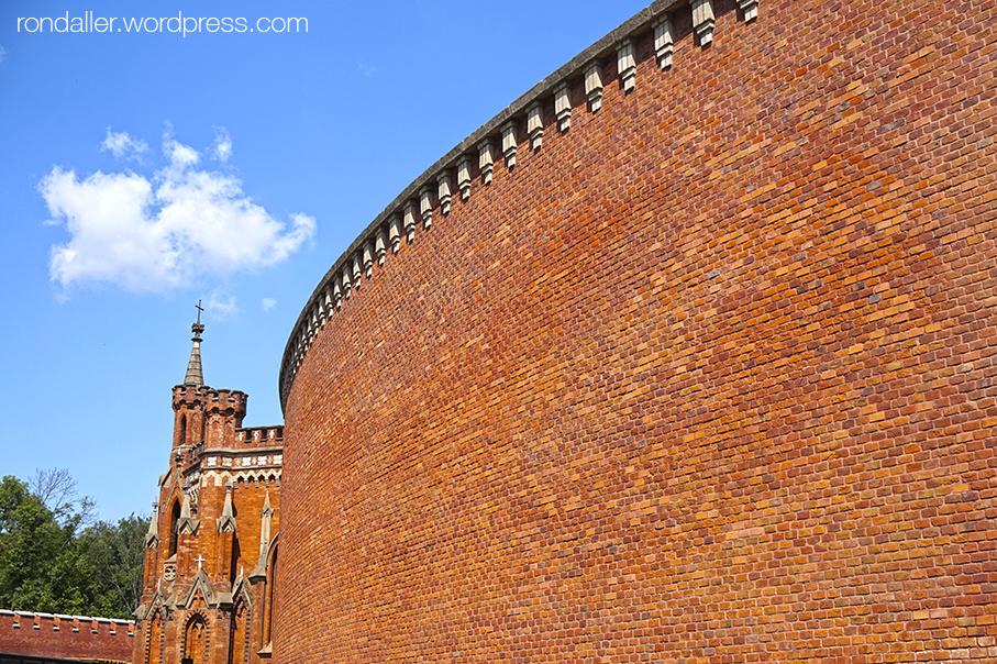 Itinerari per Cracòvia. Mur exterior de mao vist de la fortalesa del mont Kościuszko, construida al segle XVII.