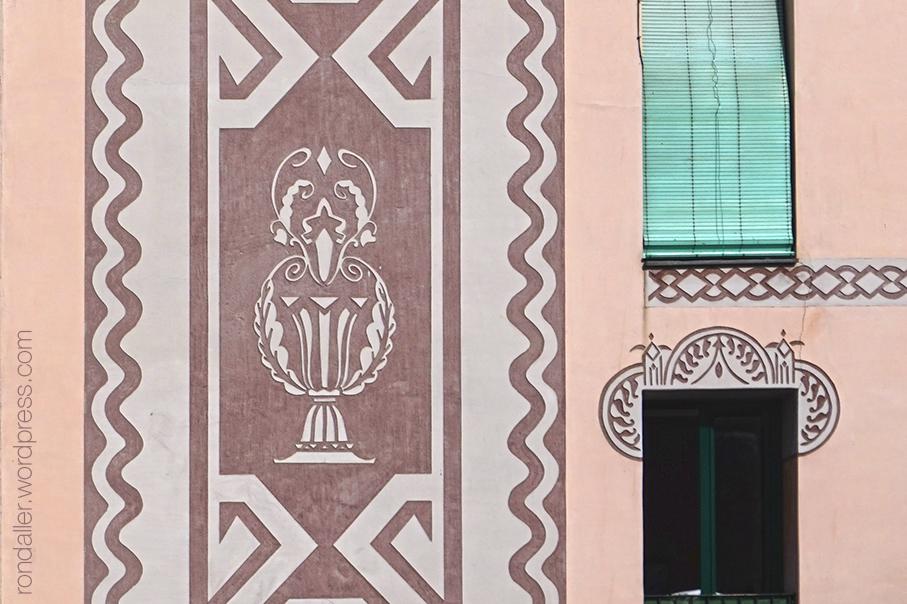 Itinerari per Escaldes-Engordany. Esgrafiat noucentista a la façana de Cal Fusilé, realitzat el 1935.