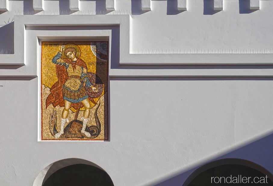 Església ortodoxa romanesa de Barcelona. Mosaic amb Sant Jordi matant el drac.