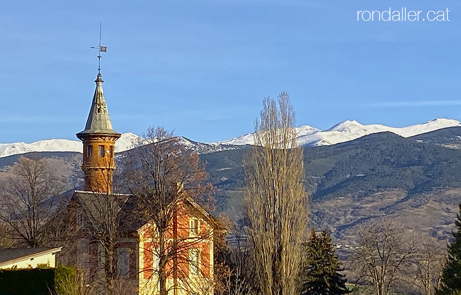 Passejada per Puigcerdà. Panoràmica dels Pirineus des de la torre del cònsol German Schierbeck.