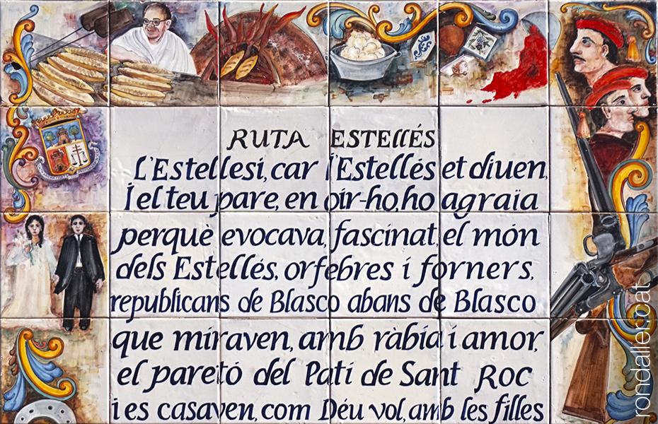 Plafó ceràmic de la ruta Estellés, amb un poema de Vicent Andrés Estellés, nascut a Burjassot.