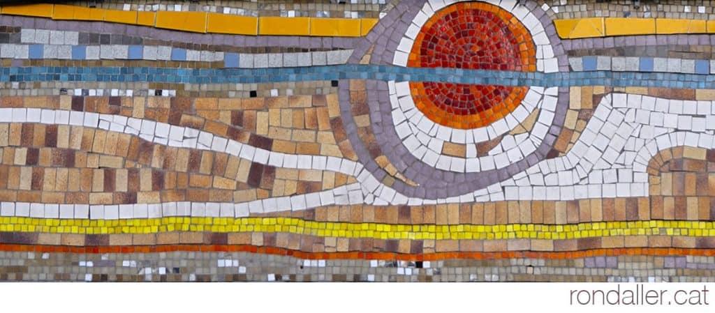 Un mosaic d'Olivé-Milian al carrer Comtes de Bell-lloc de Barcelona al barri de Sants.