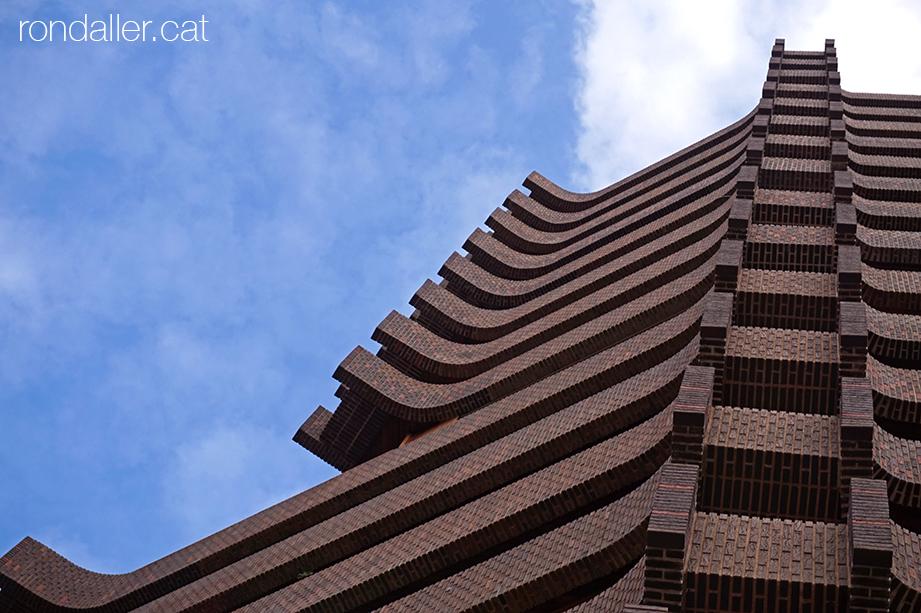 Torre de Ripalda, conegut com La Pagoda, dels arquitectes Escario, Vidal i Vives. València.