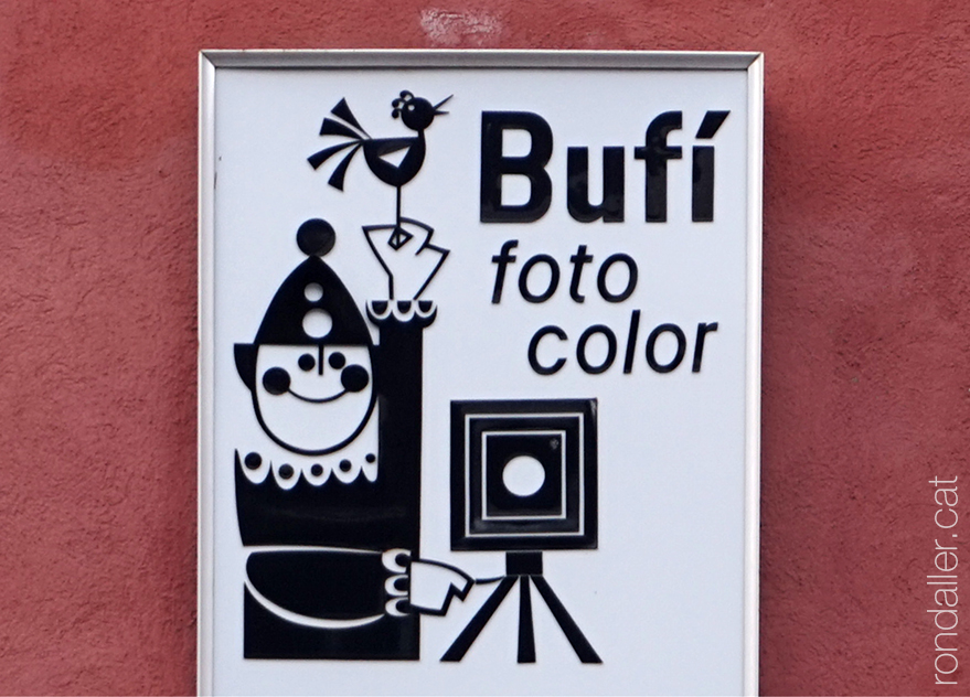 Rètol de vinil de l'estudi fotogràfic Bufí al carrer Joan Prim de Granollers.