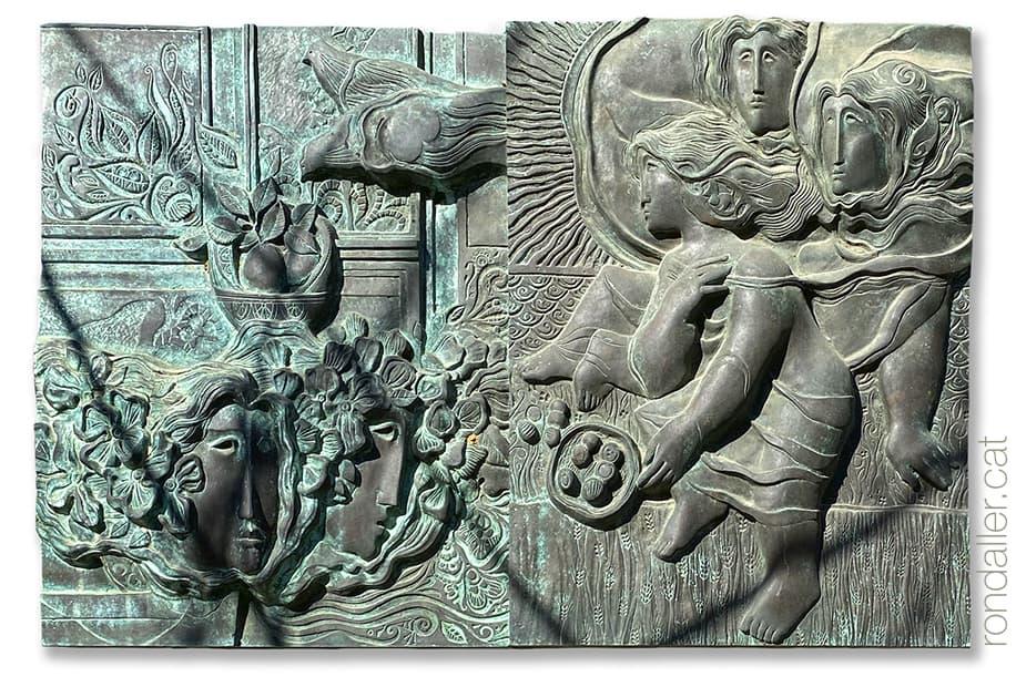 Escultura dÀlvar Suñol a Tiana que forma part de l'obra Les quatre estacions, a l'avinguda Isaac Albéniz.