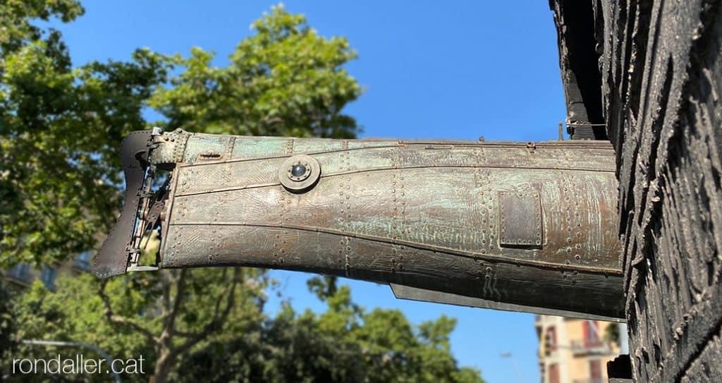 Detall del monument a Narcís Monturiol a Barcelona, realitzat el 1963 per Subirachs.