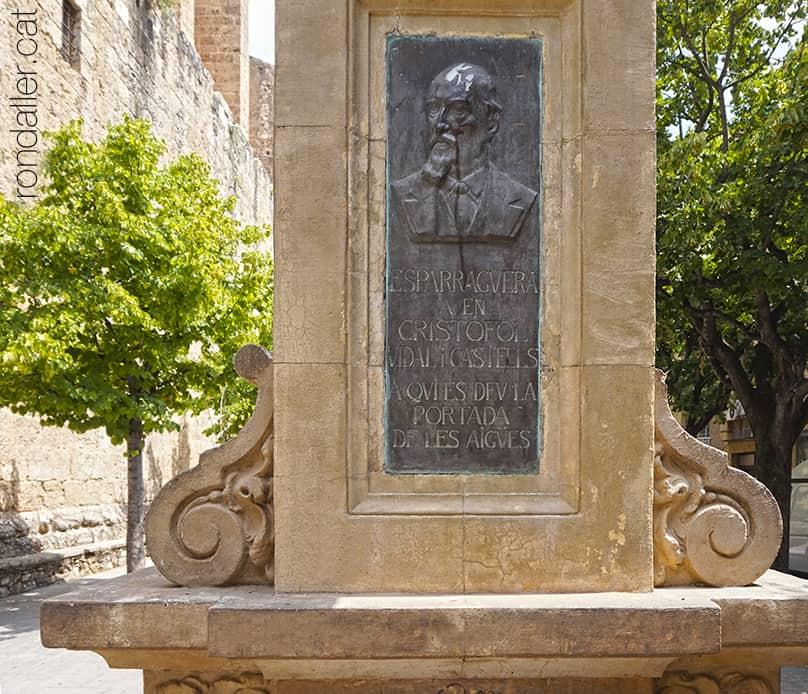 Font de Cristòfol Vidal d'Esparreguera realitzada el 1925 per Josep Domènech i Mansana.
