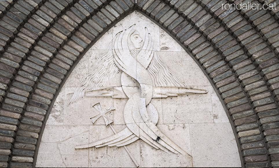 Timpà de l'església Nova de Pont de Suert, Alta Ribagorça, realitzat per Jacinto Higueras Cátedra.