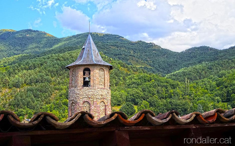 Itinerari per Vilaller (Alta Ribagorça). Campanar de l'església de Sant Climent.
