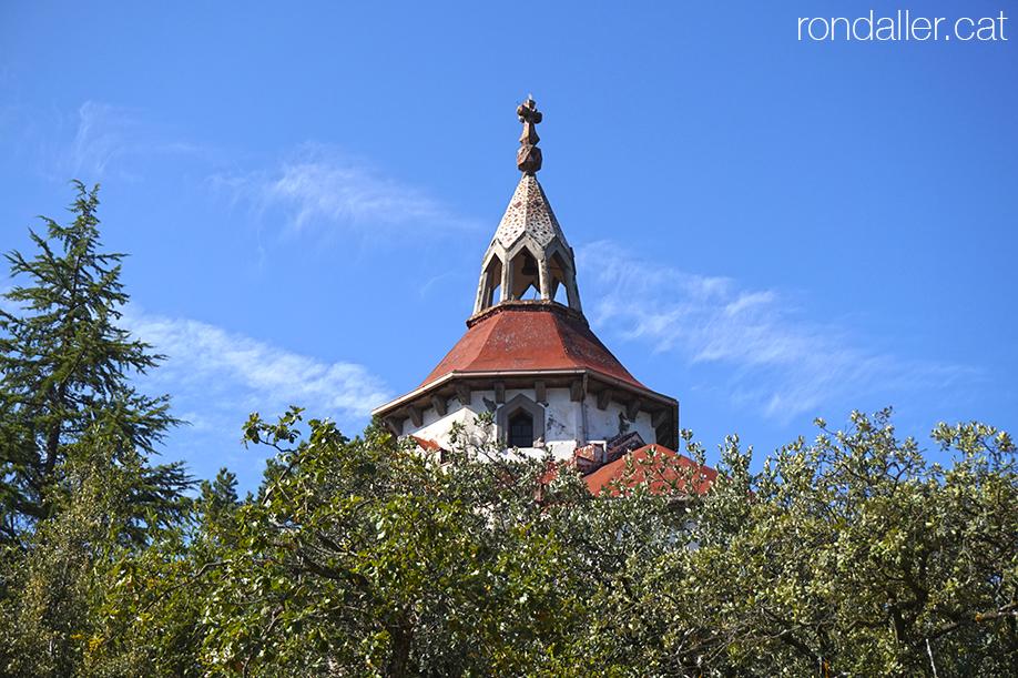 Ermita de Sant Antoni del Tossal, al municipi d'Alàs i Cerc a l'Urgellet.