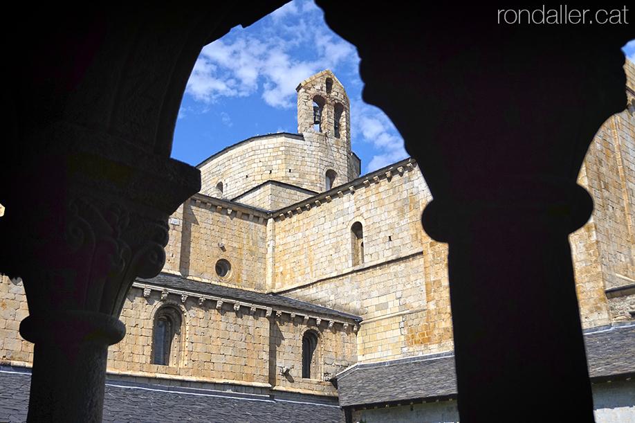 Claustre de catedral romànica de la Seu d'Urgell (Alt Urgell).