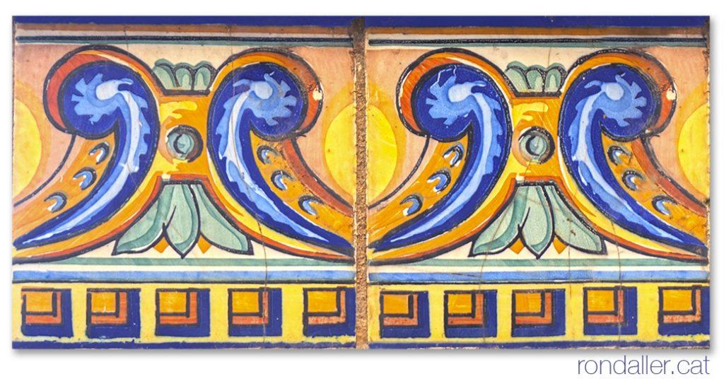 Primer itinerari per Rubí (Vallès Occidental). Detall de les rajoles que decoren una de les cases projectades per Pau Rigo el 1918.