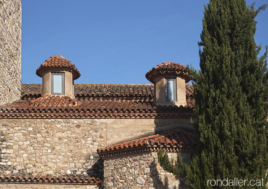 Segon itinerari per Rubí (Vallès Occidental). Teulades de l'església de Sant Pere.