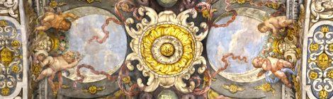 Pintures barroques del sostre projectades per Antonio Palomino i realitzades per Dionís Vidal.