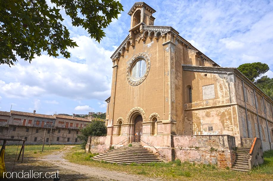 Església de la Colònia Sedó a Esparreguera, projectada per Claudi Duran i Ventosa.