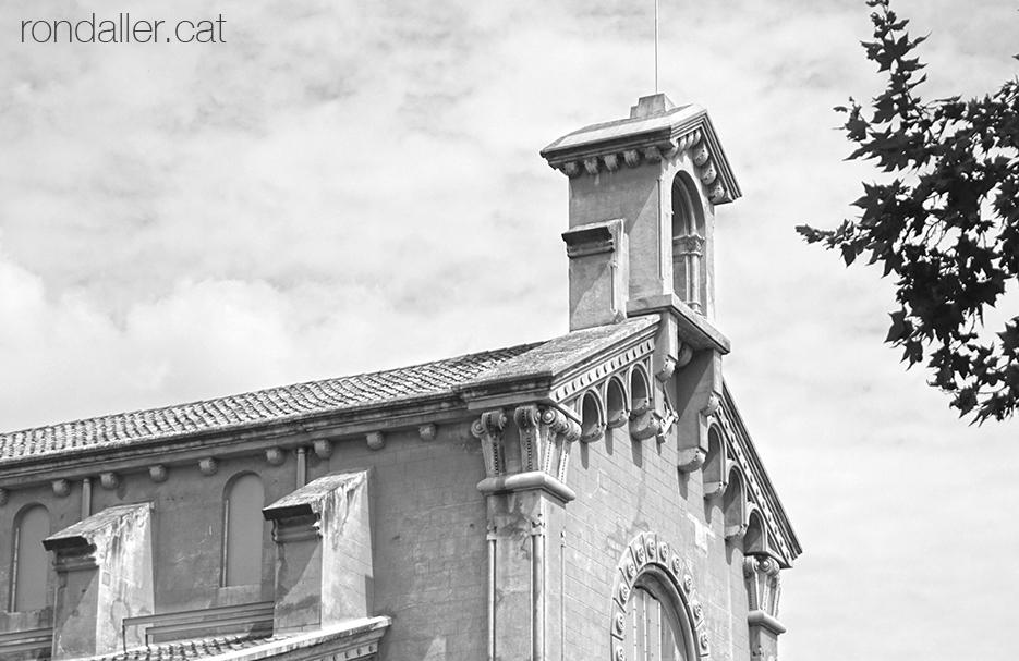 Església de Santa Victorina de la Colònia Sedó a Esparreguera, obra d'estil neoromànic projectada per Claudi Duran i Ventosa.