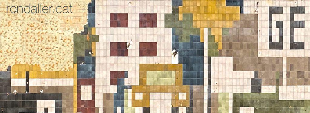 Mosaics anònims. Detall del mural ceràmic a l'estació de servei GEDSSA de Barcelona.