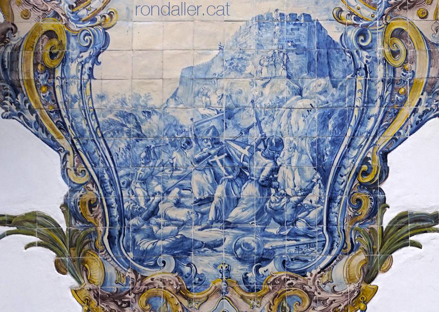 Segon itinerari per Sintra. Plafó ceràmic al Casal de Santa Margarida que relata la conquesta del Castelo dos Mouros.