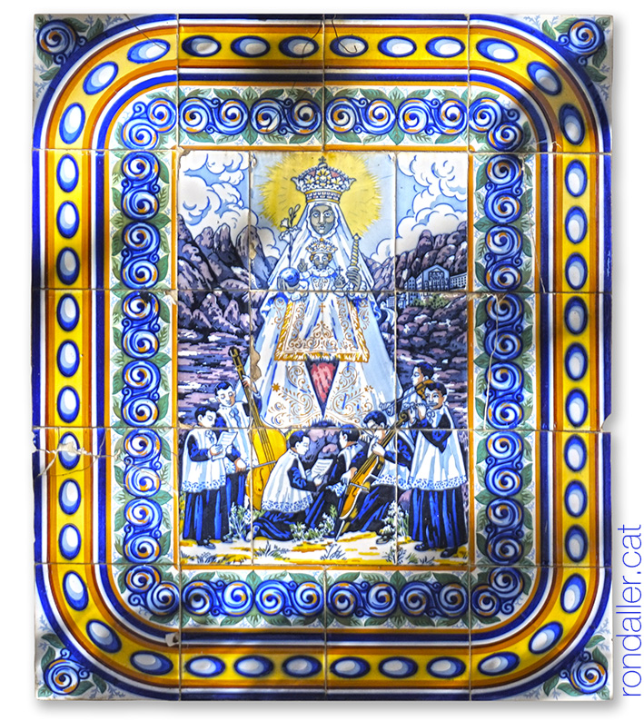 Mare de Déu de Montserrat. Plafó ceràmic a Castellterçol.