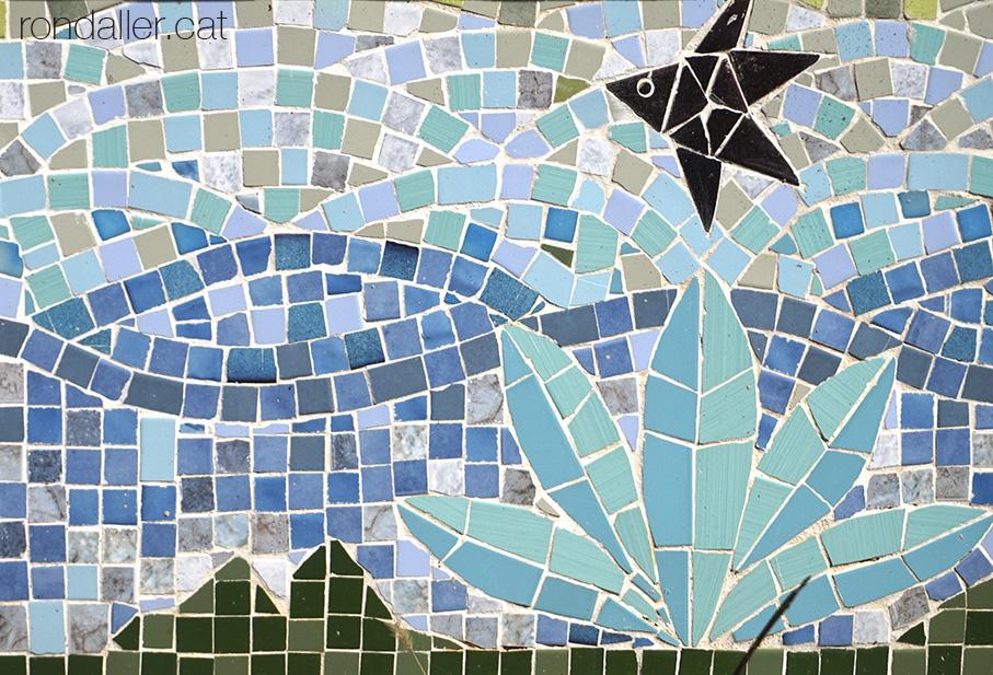 La Torre Rodona de l'urbanització Sant Carles. Mosaics de l'hivernacle.