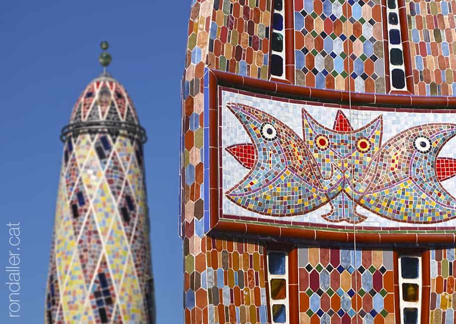 La Torre Rodona. Mosaics de la font.