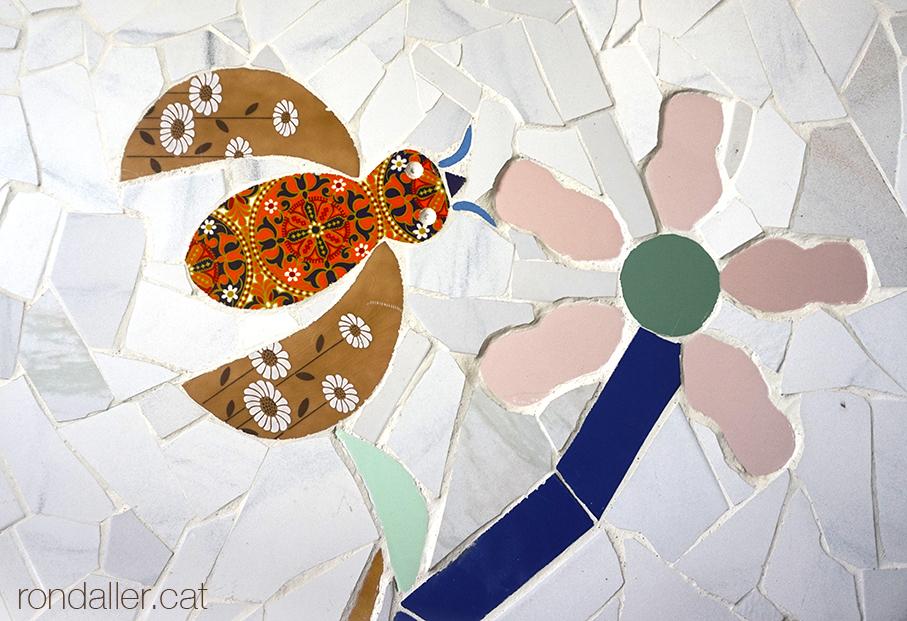 Mosaic de trencadís realitzat per Narcís Ribas