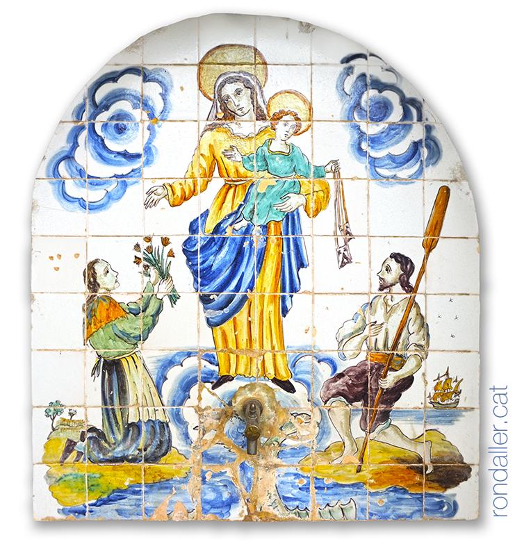 La font de Can Roldós a Cabrils amb la representació de la Mare de Déu del Carme.