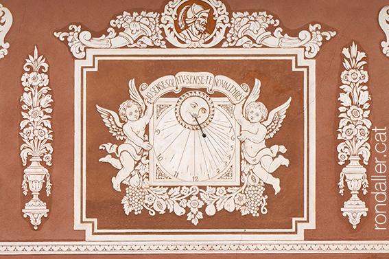 Rellotge de sol al monestir de Santes Creus.