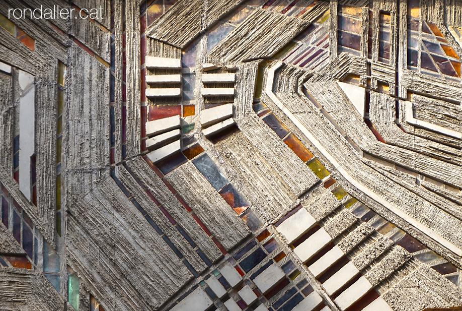 Botiga de mobles l'Art a l'Ametlla del Vallès. Vitrall realitzat per José Fernández Castrillo.