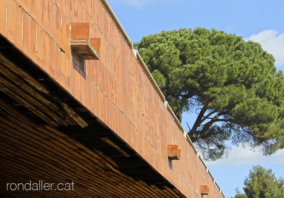 Botiga de mobles l'Art a l'Ametlla del Vallès, projectada per Lluís Carles Ferrer Montseny..