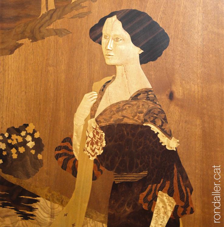 Relleu amb fusta dissenyat per l'ebenista Josep Jofré.