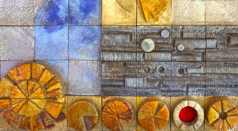 Mosaic de Raventós al carrer Pau Claris de Barcelona, realitzat els anys setanta del segle XX.