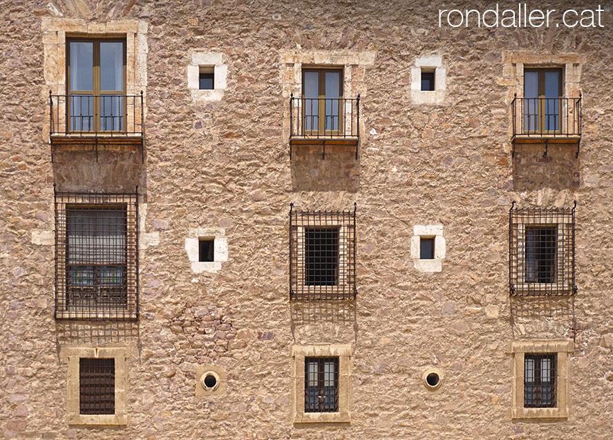 Façana del monestir d'El Puig de Santa Maria a l'Horta Nord de València.