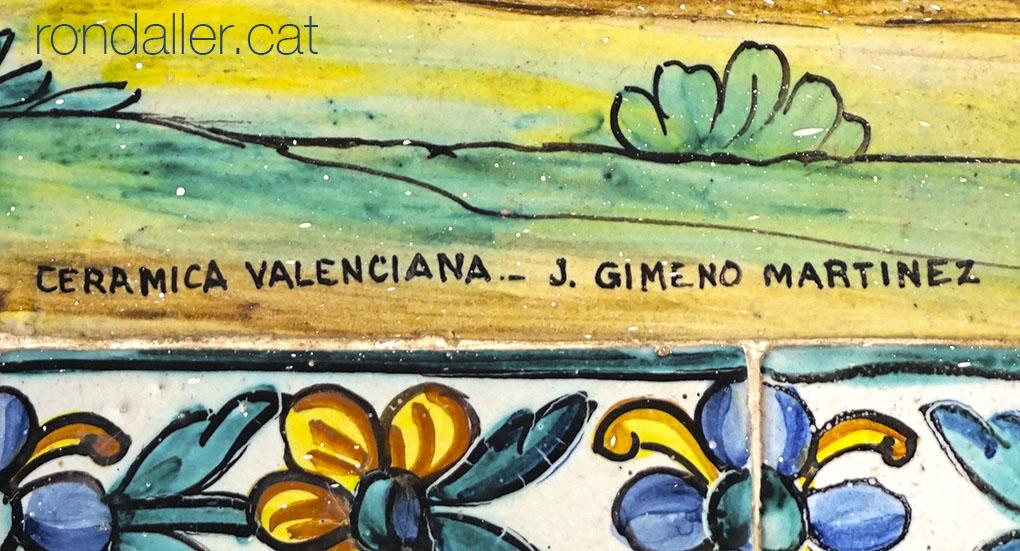 Signatura del ceramista José Gimeno Martínez en un plafó ceràmic.