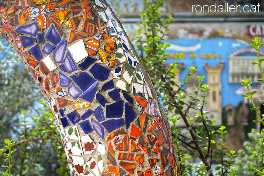 Detall del jardí conegut com a Catalunya en Petit al barri de Sant Andreu de Palomar.