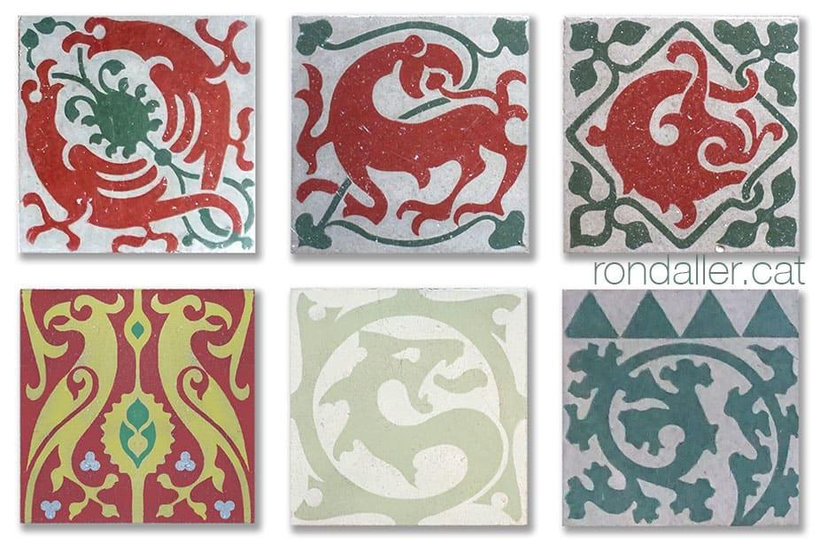 Diversos tipus de rajola de mostra hidràulica utilitzats als paviments del castell.