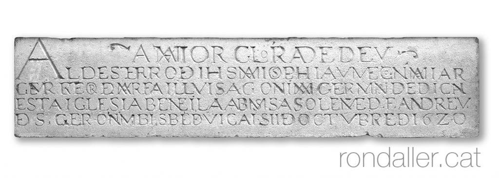 18 històries de Moià. Inscripció commemorativa a la capella de Sant Josep.