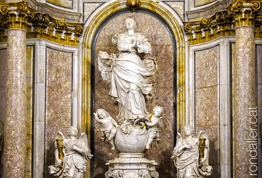 Grup escultòric de la Immaculada Concepció al paraninf de la Universitat de Cervera.