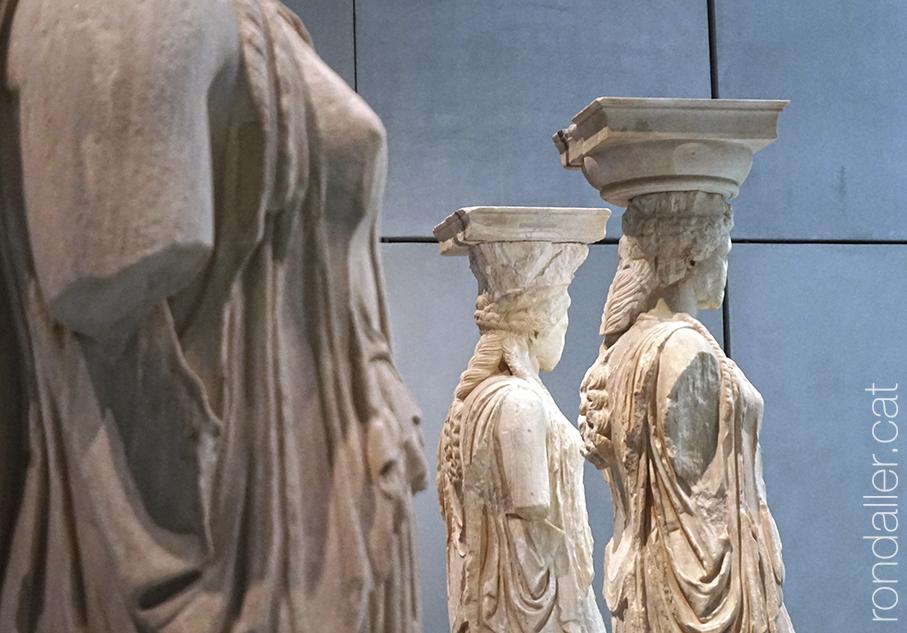 Detall de les escultures de les cariàtides al Museu de l'Acròpoli d'Atenes.