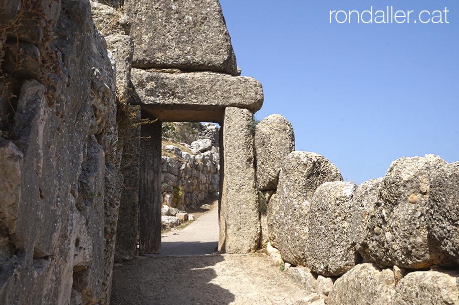 9 indrets del Peloponès. Portal al recinte arqueològic de Micenes.