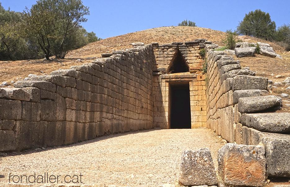 L'anomenat Tresor d'Atreu, al jaciment arqueològic de Micenes.