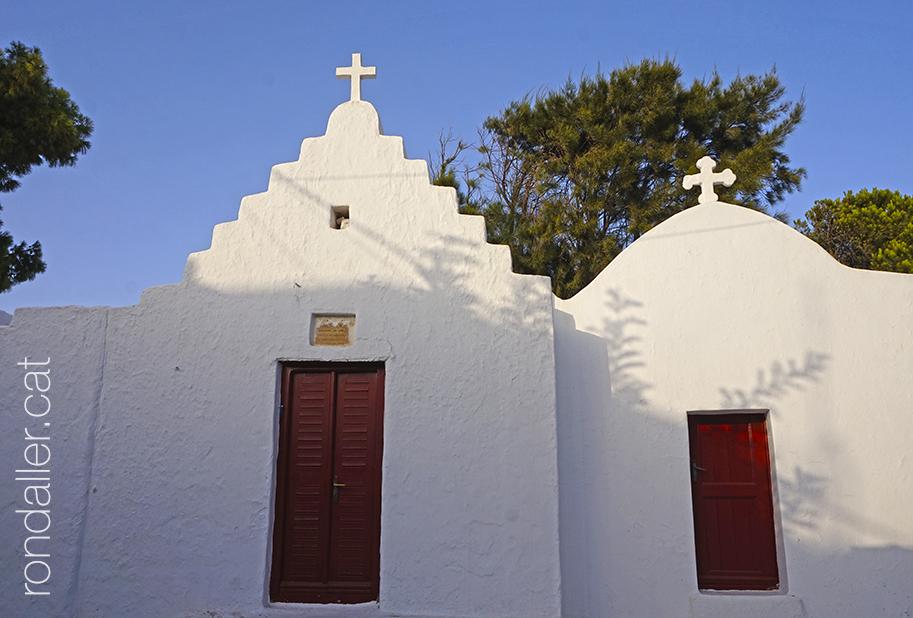 Capelles blanques a la capital de l'illa de Míkonos.