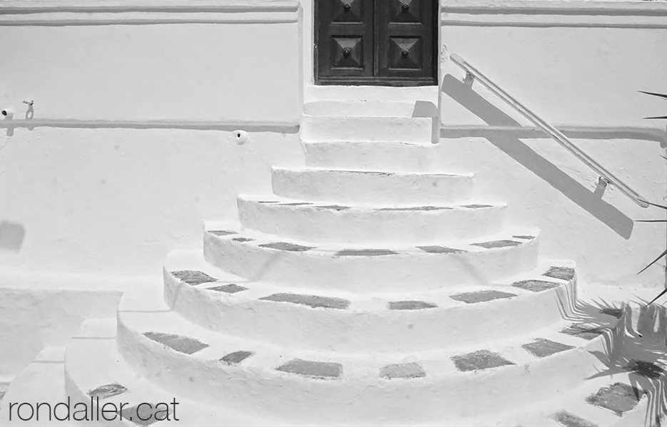 Escales blanques a la capital de l'illa de Míkonos.