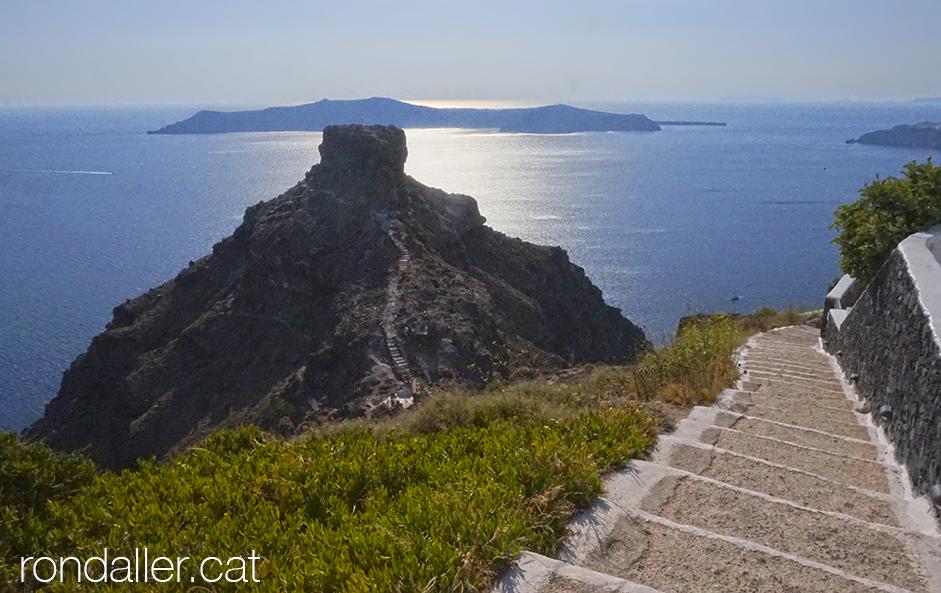 Panoràmica de la roca Skaros, davant Imerovigli.