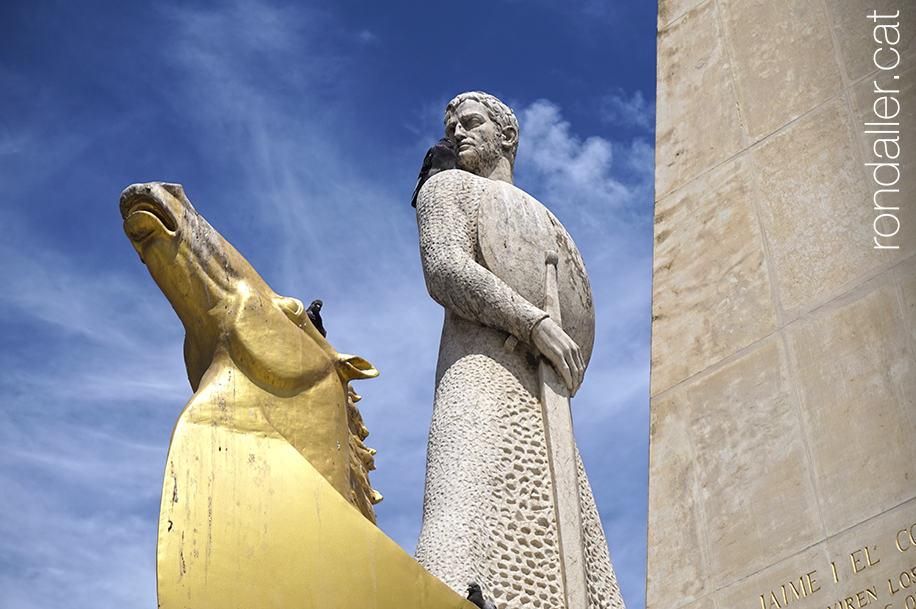 Detall del monument a Jaume I el Conqueridor.