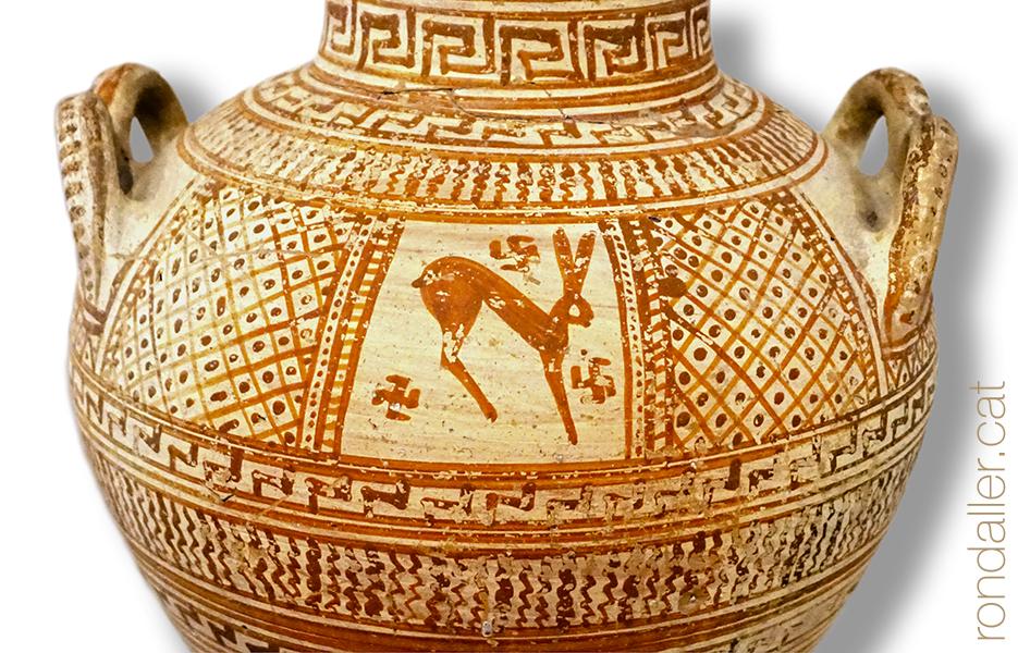 Animals a la Grècia clàssica. Peça de ceràmica amb la representació d'una llebre.