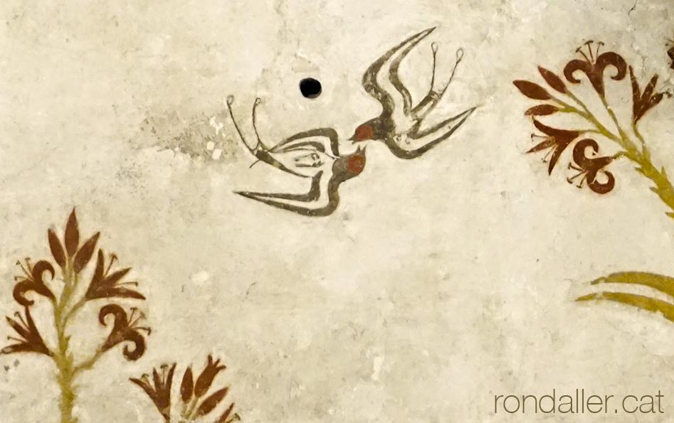 Fauna a la Grècia clàssica. Peça de ceràmica amb la representació d'ocells.